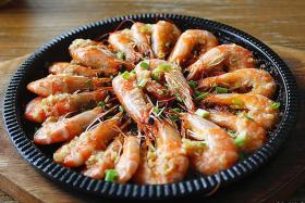 韩国烧烤:蒜味虾