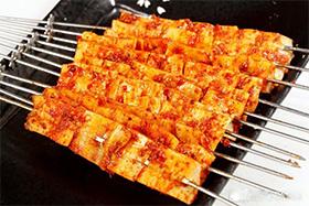 自动烧烤炉烤猪五花肉串