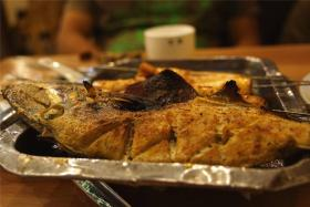 酱味烤海鱼的制作流程-【食之秀烧烤课堂】