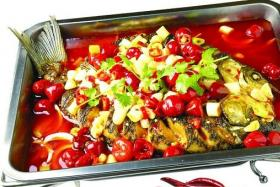 色泽红亮,泡椒浓郁,微辣爽口的泡椒烤鱼_泡椒烤鱼的做法