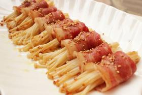 菇香培根卷的好吃做法_如何简单快速的做菇香培根卷