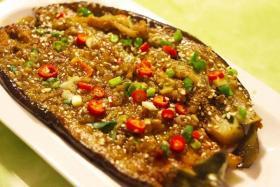 蒜蓉烤茄子的做法_如何做蒜蓉烤茄子【食之秀烧烤技术】