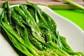 如何烤韭菜_烤韭菜怎么烤_烤韭菜的做法【食之秀烧烤技术】