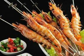 如何用食之秀自动烧烤炉烤制美味的烤竹节虾_烤竹节虾的做法