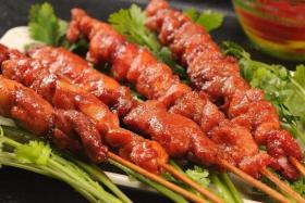 如何用食之秀无烟烧烤机烤制美味的烤里脊肉_烤里脊肉的好吃做法