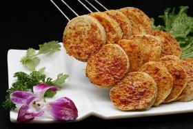 如何用食之秀自动烧烤机烤制色香味美的烤素鸡_烤素鸡的做法