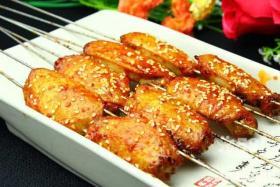如何用食之秀自动烧烤炉做烤鸡翅-烤鸡翅制作配方详解