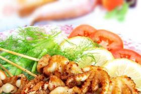 很久以前自动旋转烤串机烤辣烤章鱼串口味好吃吗?