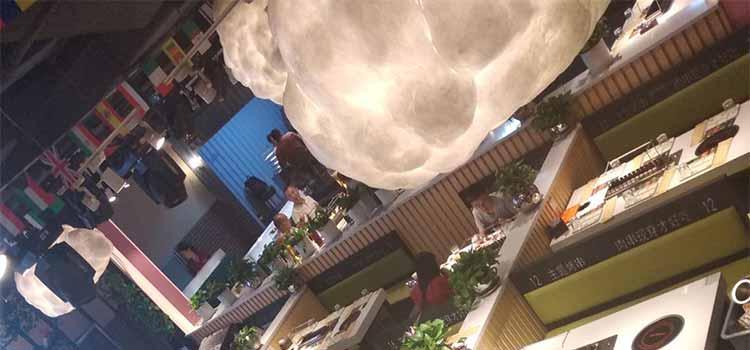 食之秀七彩云南软包卡座 烧烤店专用软包卡座 整店烧烤桌椅定做加工